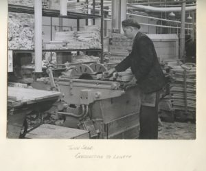 Old Kirk Mill, Berry's Chairworks, twin saws, 1940s