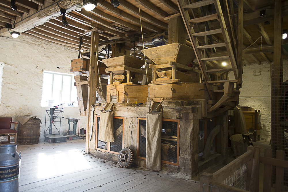Could this be what the water corn mill at Kirk Mill looked like inside?